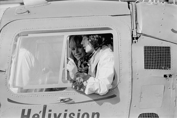 Victor Blackman「Jagger Flies With Faithfull」:写真・画像(2)[壁紙.com]