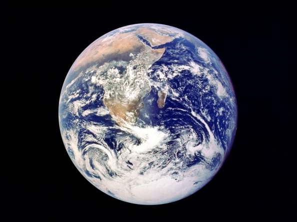 Planet Earth「Whole Earth from space, viewed from Apollo 17, December 1972.」:写真・画像(17)[壁紙.com]