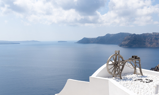 Aegean Sea「View of sea from Oia, Santorini, Greece」:スマホ壁紙(13)