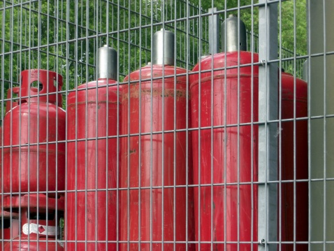 Fireball「Red gas cylinder」:スマホ壁紙(17)