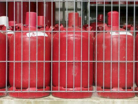 Fireball「Red gas cylinder」:スマホ壁紙(15)