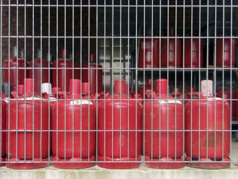 Fireball「Red gas cylinder」:スマホ壁紙(10)