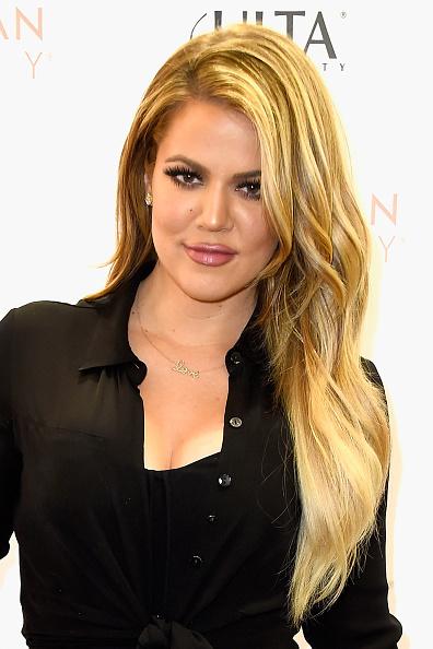 2015年「Khloe Kardashian Appears At ULTA Beauty's West Hills Store To Promote Kardashian Beauty Hair Care And Styling Line」:写真・画像(11)[壁紙.com]