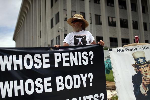 Circumcision「Activists Protest Outside Court Hearing On Circumcision Case」:写真・画像(6)[壁紙.com]