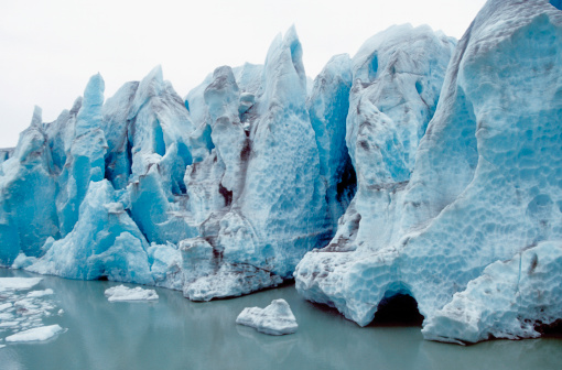 Glacier Bay National Park「Ice melting on a jagged glacier, Skagway, Alaska, USA」:スマホ壁紙(8)