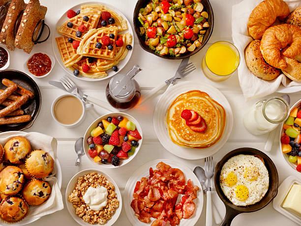 「盛宴」での朝食:スマホ壁紙(壁紙.com)