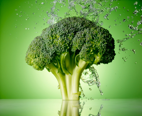 Green Background「Broccoli Splash」:スマホ壁紙(10)