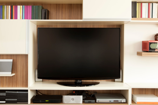 Watching TV「TV set on wall unit」:スマホ壁紙(5)