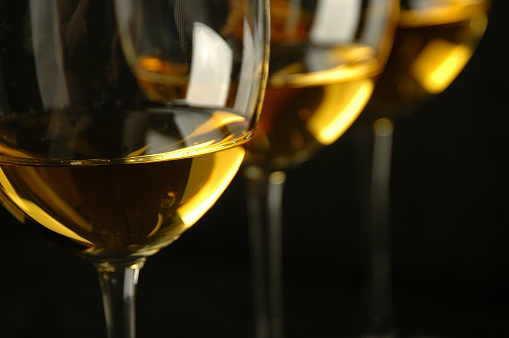 White Wine「White Wine in Glasses」:スマホ壁紙(17)