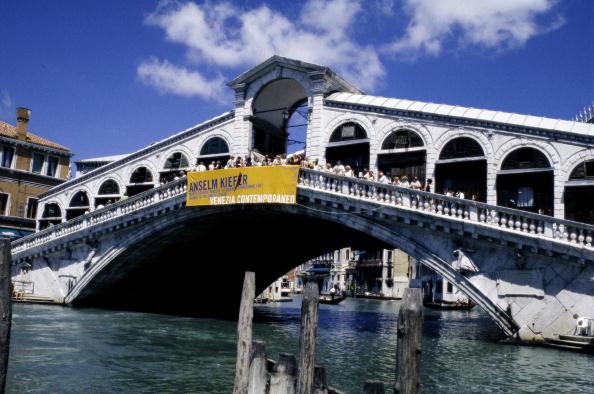 Construction Material「Rialto bridge in Venice, Italy, Photography, 2005」:写真・画像(15)[壁紙.com]