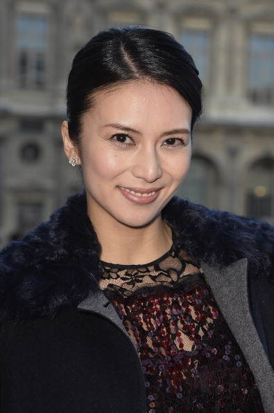 柴咲 コウ「Louis Vuitton : Outside Arrivals - Paris Fashion Week Womenswear Fall/Winter 2014-2015」:写真・画像(2)[壁紙.com]