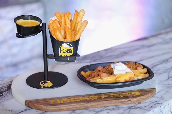 Sour Cream「Taco Bell's Nacho Fries Premiere」:写真・画像(1)[壁紙.com]