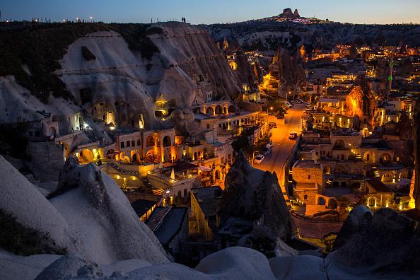 町「Peak Tourist Season Begins in Turkey's Famous Cappadocia Region」:写真・画像(12)[壁紙.com]