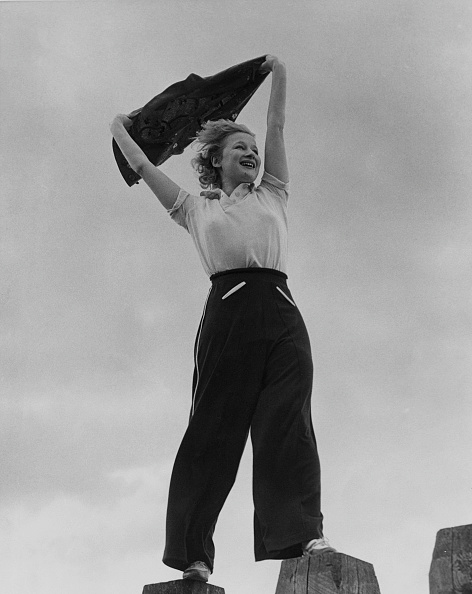 Vitality「Greta Nissen」:写真・画像(15)[壁紙.com]