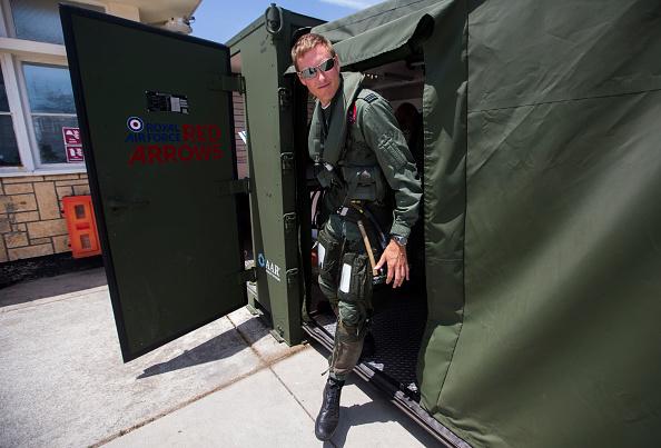 Republic Of Cyprus「The Red Arrows RAF Display Team Conduct Training Exercises Ahead Of Their Season」:写真・画像(7)[壁紙.com]
