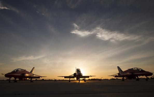 Republic Of Cyprus「The Red Arrows RAF Display Team Conduct Training Exercises Ahead Of Their Season」:写真・画像(11)[壁紙.com]