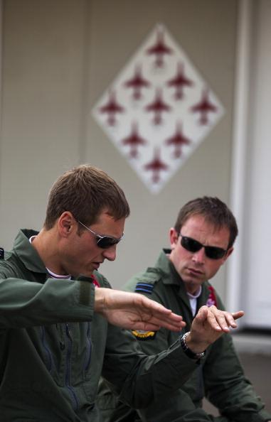 Republic Of Cyprus「The Red Arrows RAF Display Team Conduct Training Exercises Ahead Of Their Season」:写真・画像(15)[壁紙.com]