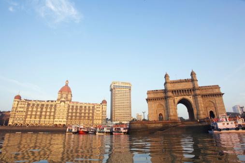 Indian Ocean「India, Mumbai, Gateway of India, view across harbour」:スマホ壁紙(19)