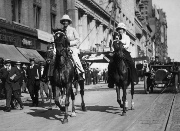 Horse「Riding For Suffrage」:写真・画像(2)[壁紙.com]