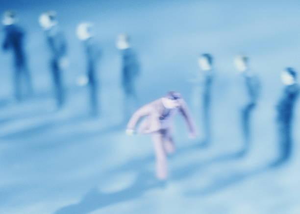Figurine businessman running from queue, elevated view:スマホ壁紙(壁紙.com)