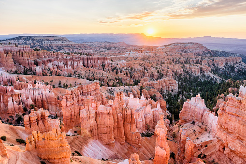 Utah「Bryce Canyon Amphitheater at sunrise」:スマホ壁紙(6)