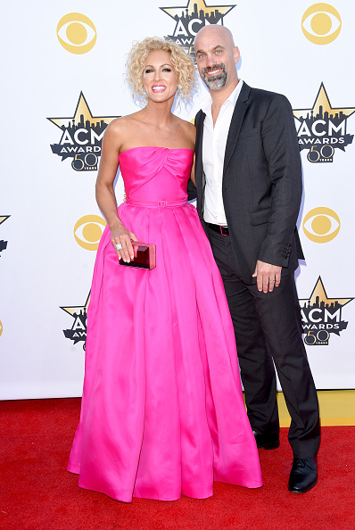T 「50th Academy Of Country Music Awards - Arrivals」:写真・画像(11)[壁紙.com]