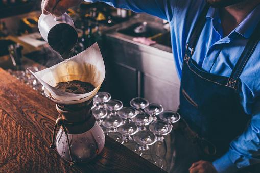 Hipster - Person「Barista making filter coffee」:スマホ壁紙(4)