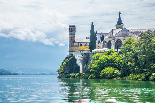 Lake Bourget「Abbaye d'hautecombe」:スマホ壁紙(3)