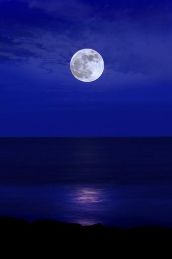 月「満月」:スマホ壁紙(7)
