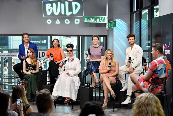 ヒラリー・ダフ「Build Presents Sutton Foster, Hilary Duff, Debi Mazar, Miriam Shor, Molly Bernard, Nico Tortorella & Peter Hermann Discussing 'Younger'」:写真・画像(8)[壁紙.com]