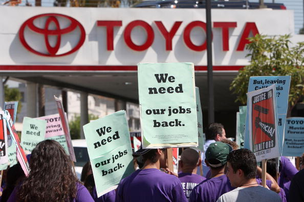 Downsizing - Unemployment「14 States Report Unemployment Rates Higher Than 10 Percent」:写真・画像(3)[壁紙.com]