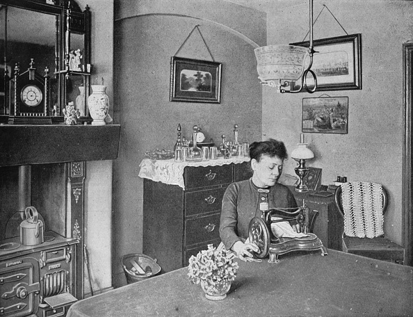 Perfection「New room in a model dwelling, London, c1900 (1901)」:写真・画像(11)[壁紙.com]