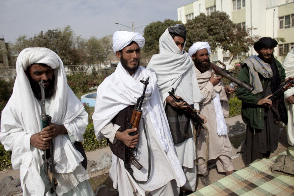 Militant Groups「Taliban Militants Surrender In Herat Province」:写真・画像(2)[壁紙.com]