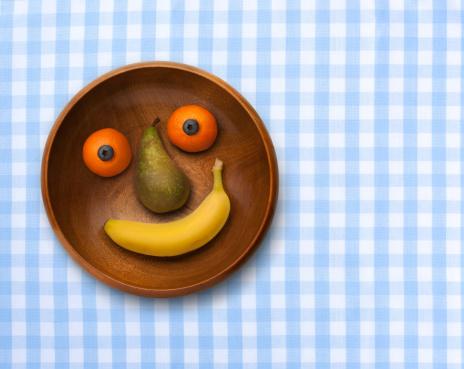 ギンガムチェック「Smiling bowl of fruit on gingham」:スマホ壁紙(15)
