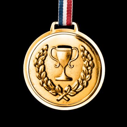 世界のスポーツイベント「オリンピックメダルで分離黒色:金」:スマホ壁紙(4)