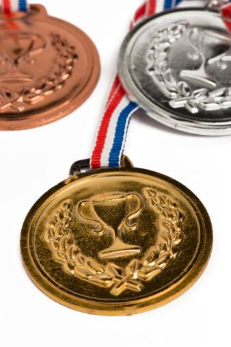 世界のスポーツイベント「オリンピックメダル白で分離」:スマホ壁紙(14)