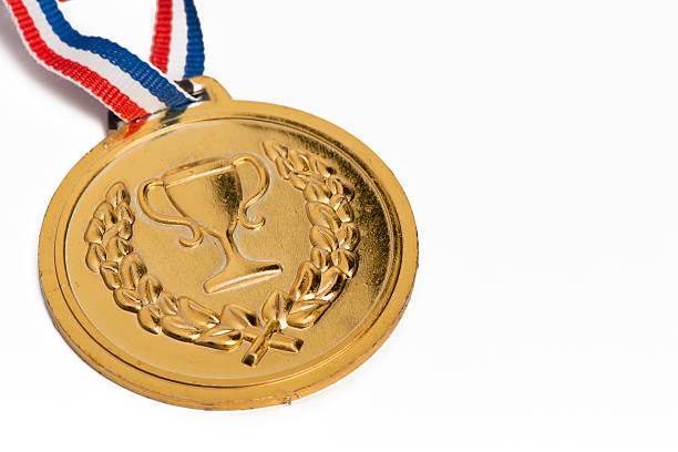 オリンピックメダル白で分離。金:スマホ壁紙(壁紙.com)