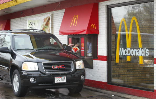 Fast Food「McDonald's Reports First Quarter 2003 Results」:写真・画像(1)[壁紙.com]
