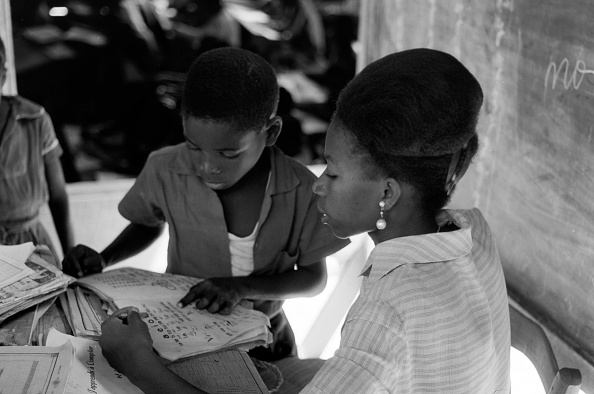 Island「Village School On The Outskirts Of Port-Au-Prince」:写真・画像(8)[壁紙.com]