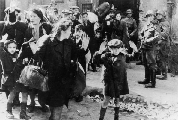 Holocaust「Rounding Up Jews」:写真・画像(1)[壁紙.com]