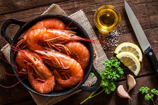 Prawn - Seafood「Tiger prawns roasted on iron cast pan」:スマホ壁紙(15)