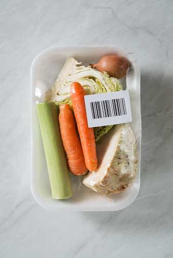 Label「Fresh organic vegetables inside of package with bar code label」:スマホ壁紙(7)