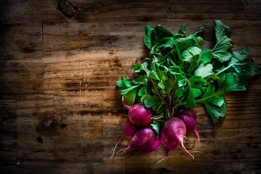 Radish「Fresh organic red radish still life」:スマホ壁紙(16)