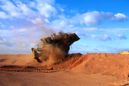 Bauxite「Giant vehicle at bauxite mine, Weipa, Queensland, Australia, Australasia」:スマホ壁紙(6)