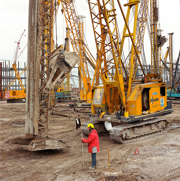 Construction Industry「Tracked piling rig.」:写真・画像(16)[壁紙.com]