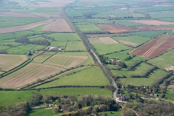 Agricultural Field「Fosse Way」:写真・画像(15)[壁紙.com]