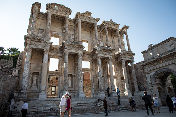 Tourism「Turkey's Ephesus Continues To Draw Visitors As Tourism Industry Recovers」:写真・画像(7)[壁紙.com]