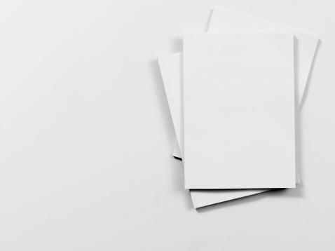 覆う「空の雑誌表紙」:スマホ壁紙(10)