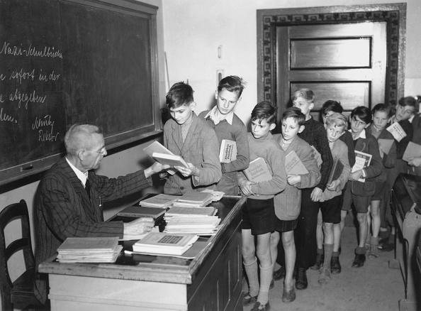 Fred Ramage「German Re-Education」:写真・画像(13)[壁紙.com]