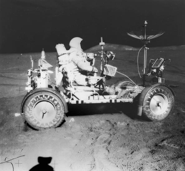 岩「Lunar Sampling」:写真・画像(0)[壁紙.com]